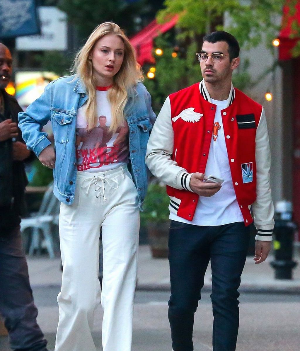 La actriz de 'Juego de tronos' Sophie Turner y el cantante de DNCE Joe Jonas