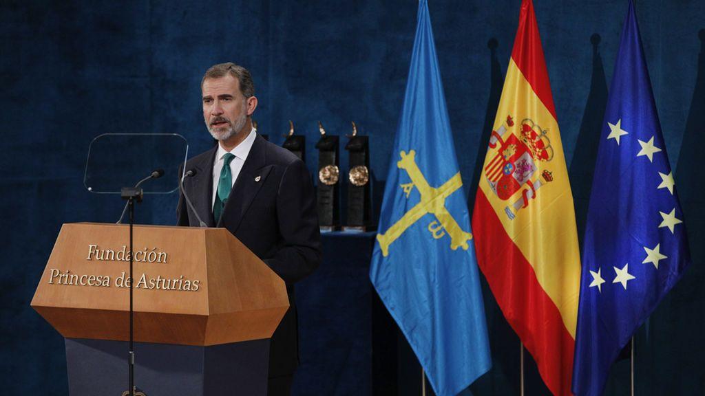 """El Rey subraya que """"Cataluña es y será parte esencial de España"""" pese al """"inaceptable intento de secesión"""""""