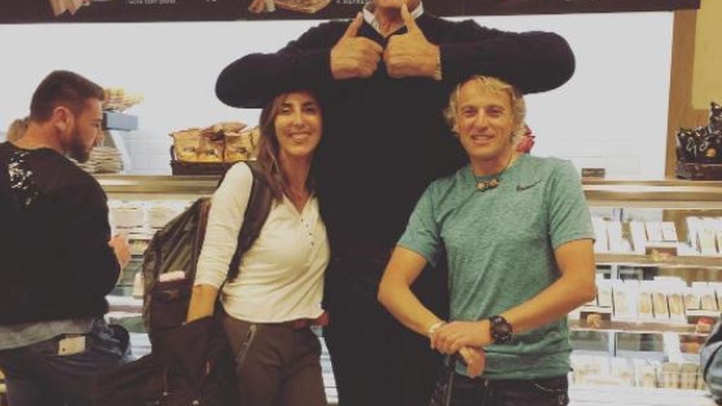 ¡Jesús Calleja y Paz padilla se encuentran con un 'gigante' antes de empezar su aventura por África!