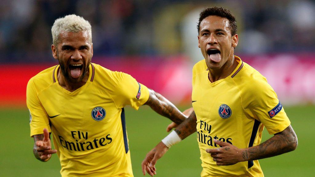 """Alves confiesa cómo fue el fichaje de Neymar por el PSG: """"Sabía que quería irse del Barça"""""""