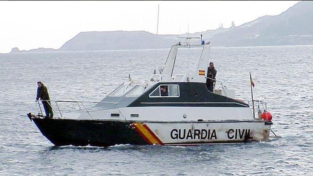 Aparece el cadáver de un inmigrante flotando cerca del puerto de Melilla