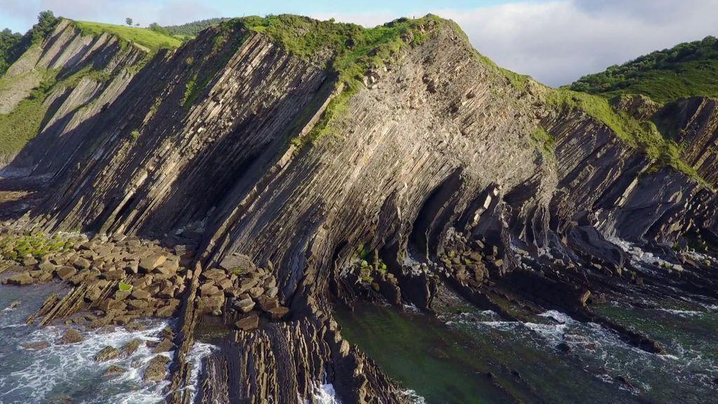 Los flysch que has visto en 'Juego de Tronos', ¿cómo se forman estas rocas tabulares de 6.000 metros?