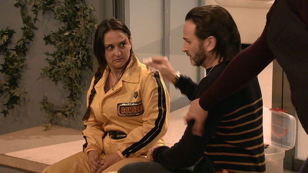 """Clara, ante su despido: """"No ha sido culpa mía, en la cuesta abajo se me ha encabritado el cortacésped"""""""