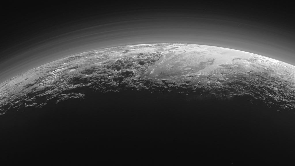 Un científico asegura que los extraterrestres están bajo el hielo en sus planetas