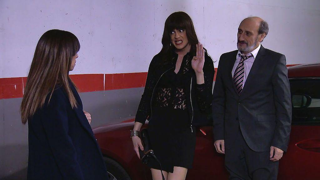 Berta pilla a Alba y a Enrique con las manos en la masa
