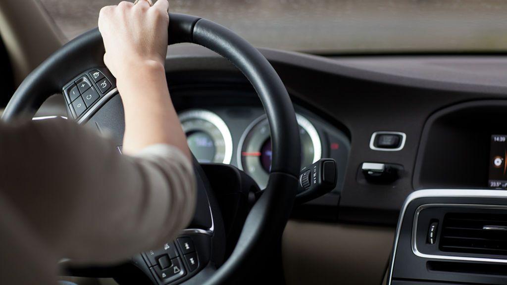 ¿Te imaginas que vas cantando alegremente al volante y te ponen una multa de tráfico?