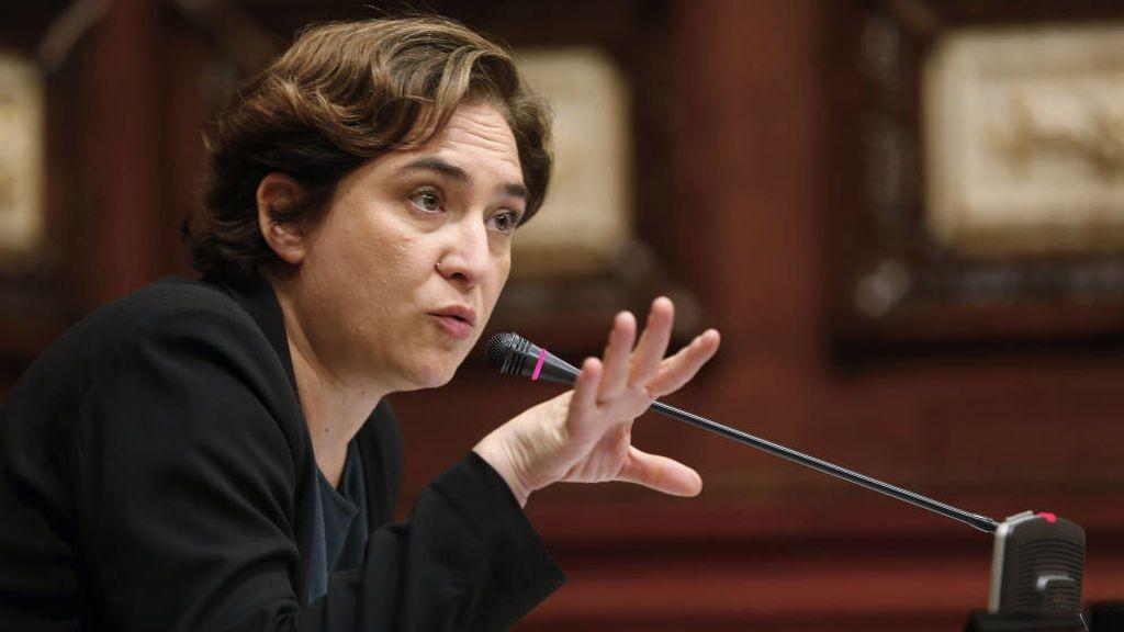 """Colau dice que Catalunya requiere """"una respuesta política y no una intervención autoritaria"""""""