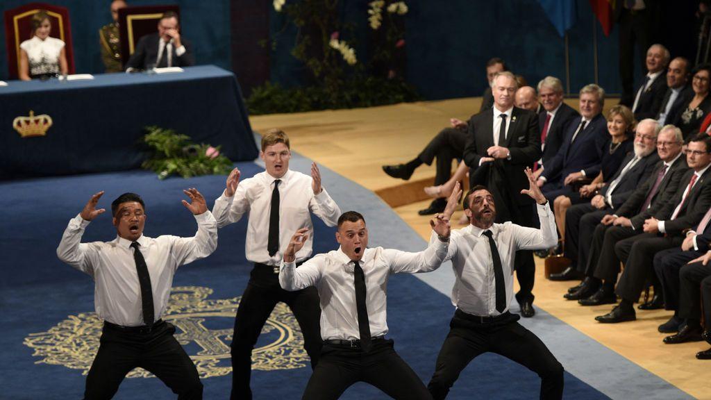 """Felipe VI recomienda el rugby en los premios Princesa de Asturias: """"Es un impagable ejemplo para todos los niños"""""""