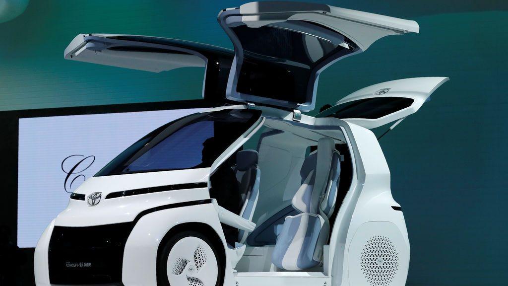Toyota Motor Corp. muestra la serie Concept-i Ride de la compañía durante la presentación en los medios del 45 ° Tokyo Motor Show en Tokio