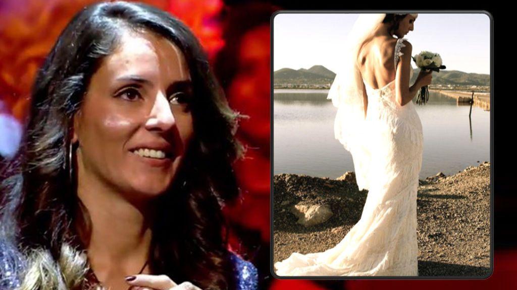 En una playa de Ibiza al atardecer: ¡todas las fotos de la boda de Petra!