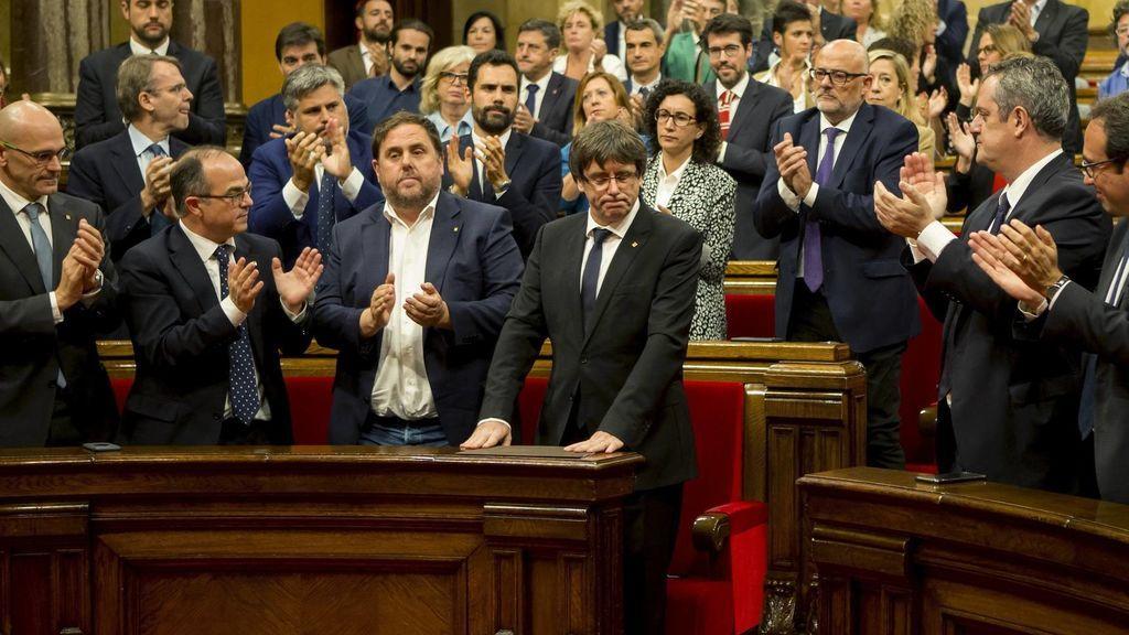 Diputados de JxSí en el parlamento catalán dimiten ante la inminente convocatoria de elecciones