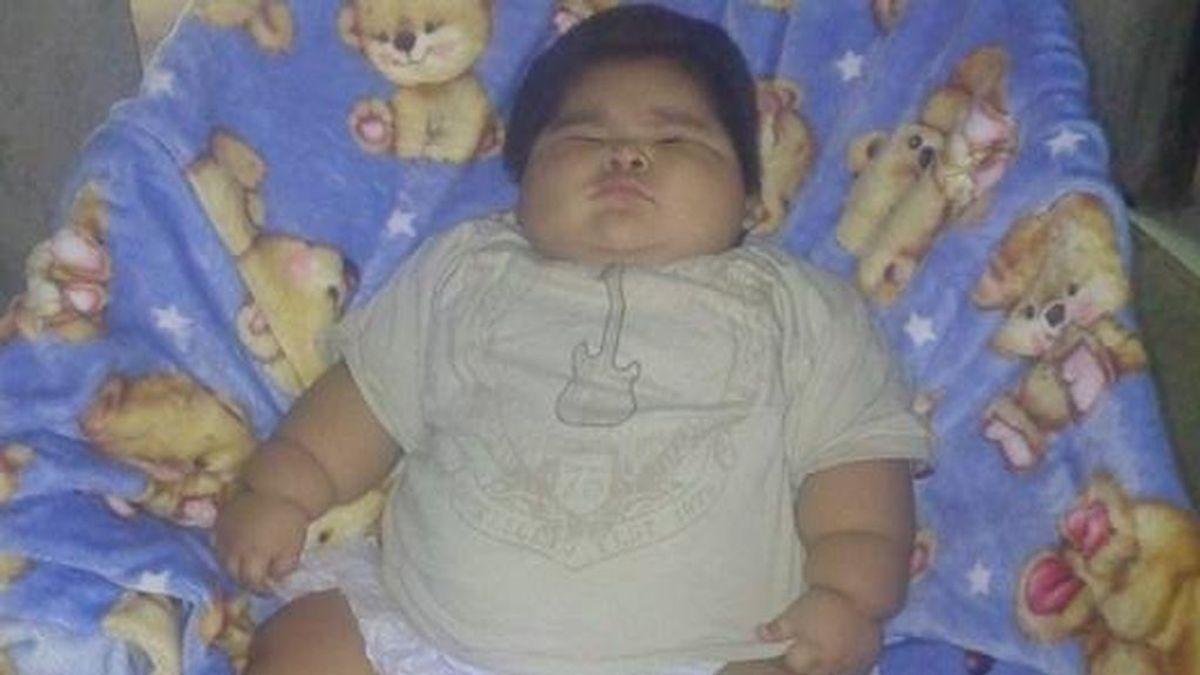 Las redes se vuelcan en una campaña para ayudar a Luis Manuel, el bebé más gordo del mundo