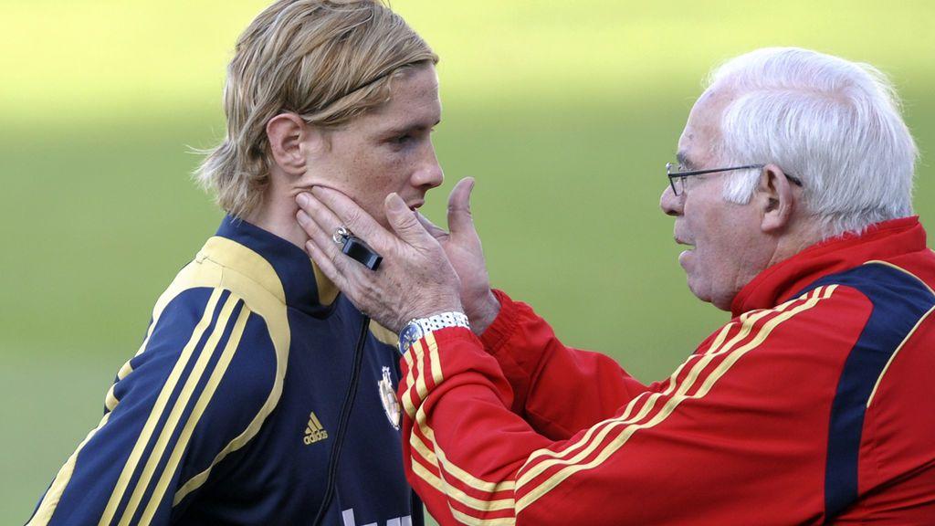 El emotivo mensaje de Fernando Torres a Luis Aragonés tras igualarle en partidos como rojiblanco