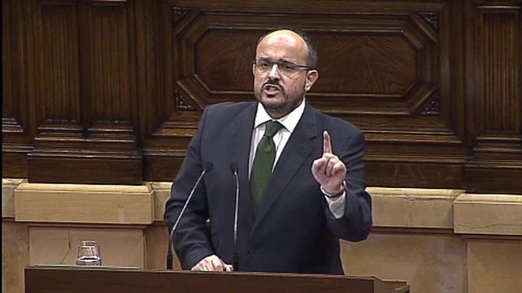 """El PP catalán a Puigdemont: """"¿Hay alguien en el planeta que no piense como ustedes que no sea facha?"""""""