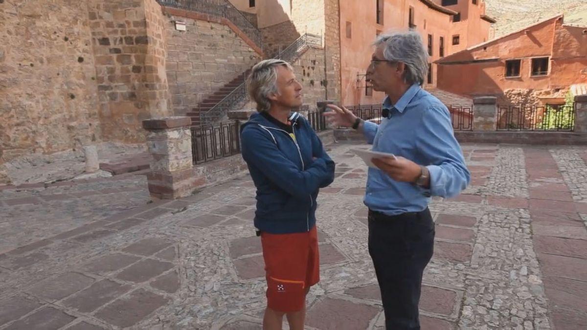 Acabar con la despoblación en Albarracín y convertirlo en el pueblo más bonito del mundo, el reto de Calleja en 'Volando voy'