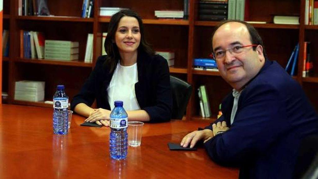 Arrimadas e Iceta, contentos con la convocatoria de elecciones; la CUP, contraria, dice que hará una paella