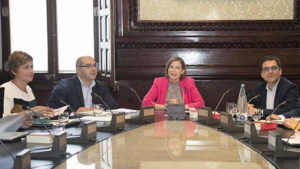 La mesa del parlament declarar el pr ximo 9 de noviembre for Mesa parlament
