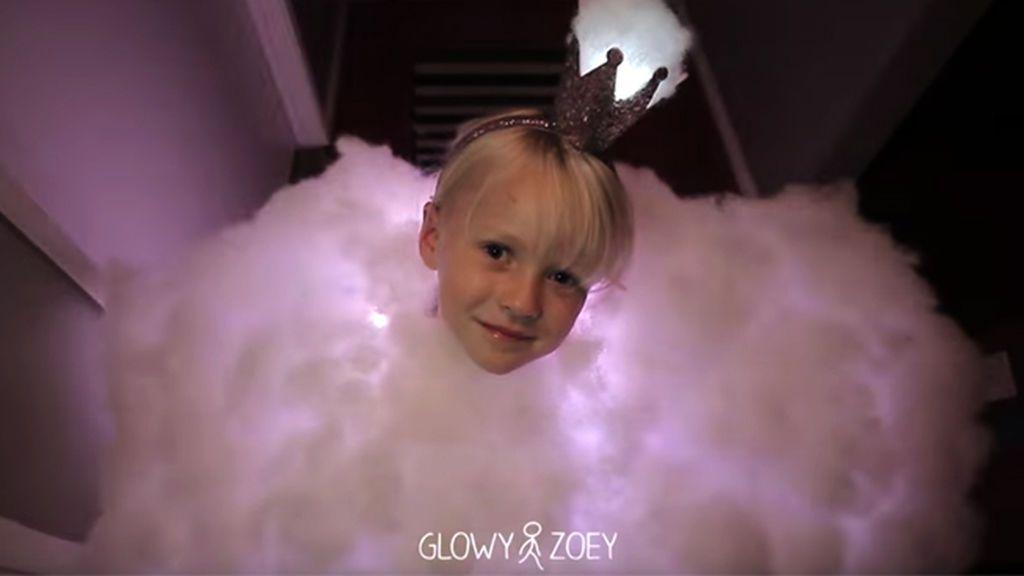 ¿De nube en Carnaval? Así se viste de 'nube tormentosa' la niña de los disfraces virales