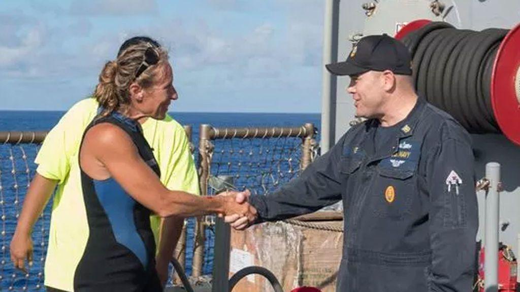 Rescatan a dos mujeres y a su perro tras cinco meses perdidos en un velero en el Pacífico