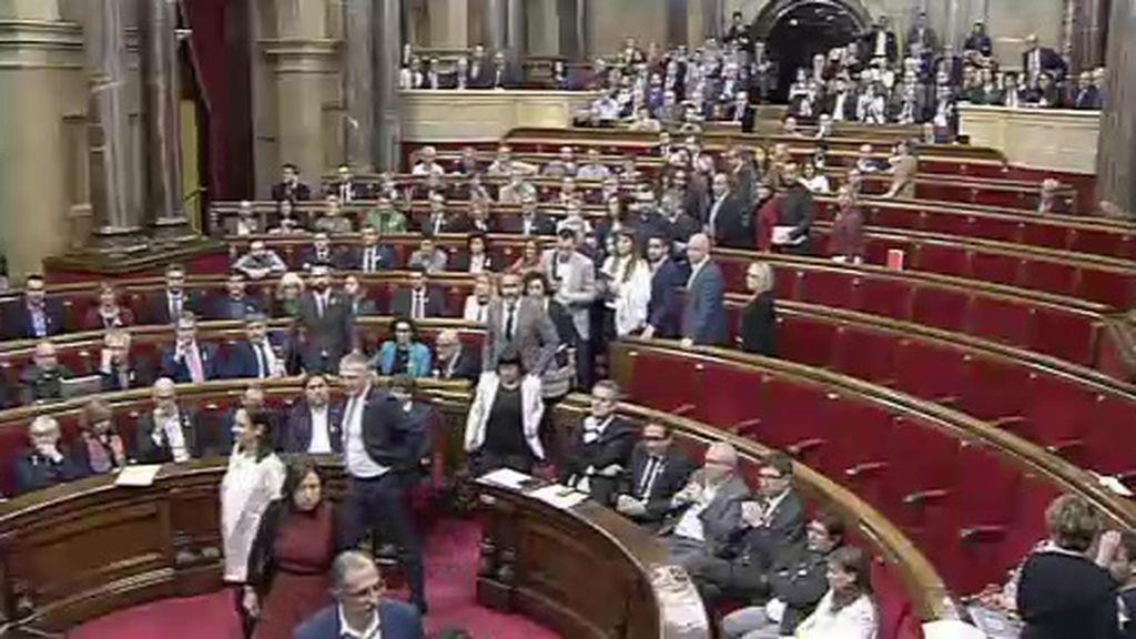 Ciudadanos y PSC abandonan el Pleno del Parlamento de Cataluña antes de votar la independencia