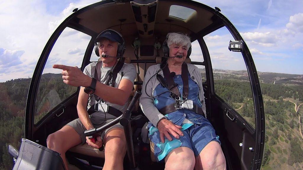 """¡Peligro: piloto novato! La entrañable Teo """"la lía"""" en su primer vuelo"""
