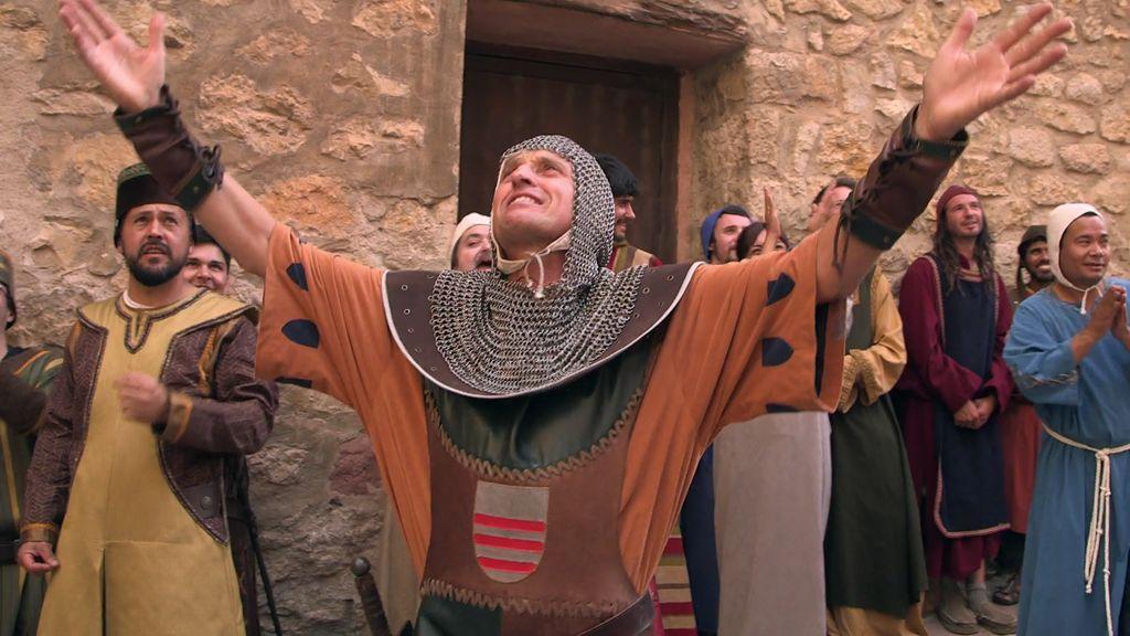 """Jesús Calleja """"viaja en el tiempo"""" y transforma Albarracín en un pueblo medieval"""