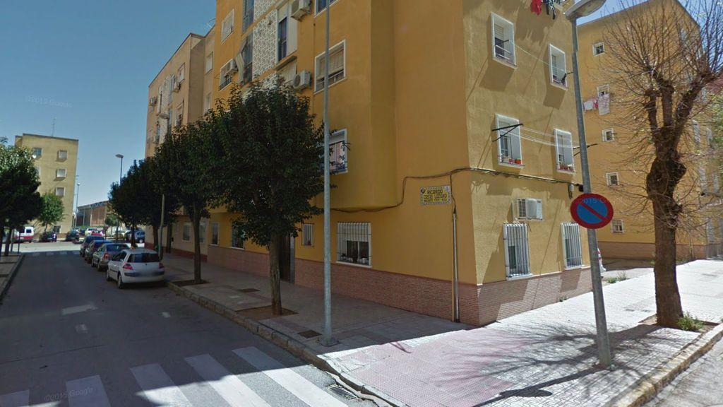 En libertad con cargos el padre del niño que cayó por una ventana en Badajoz