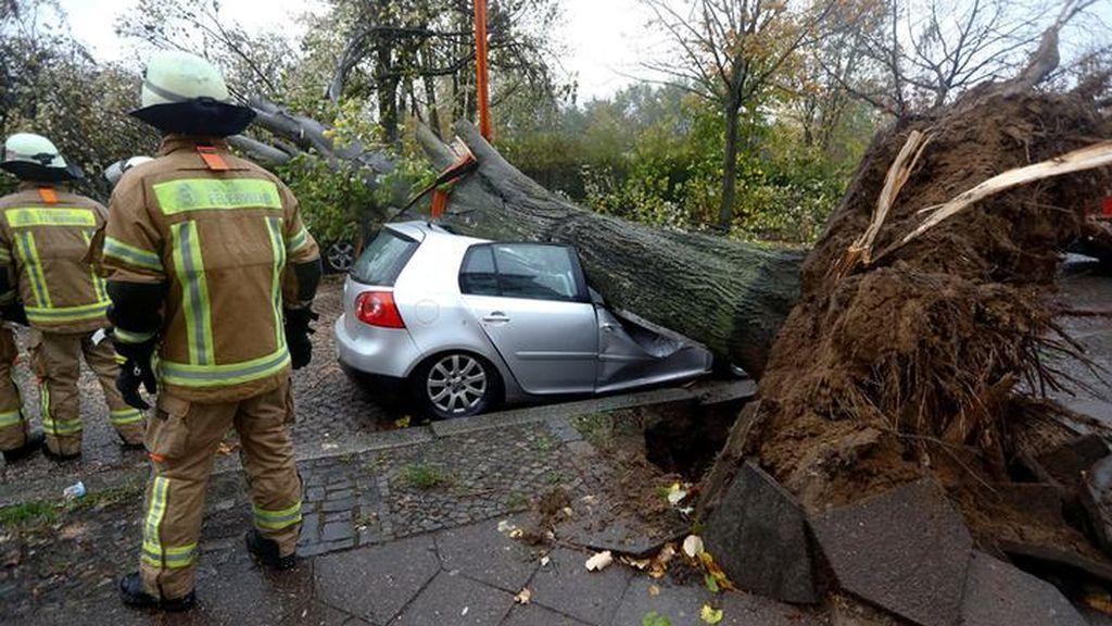 La tormenta 'Herwart' deja al menos cuatro muertos en el centro de Europa