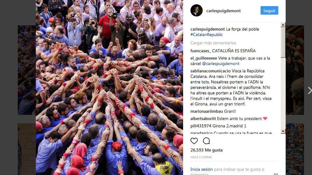 """Puigdemont apela a """"la fuerza del pueblo"""" en un mensaje en redes sociales"""
