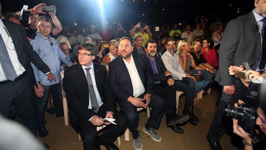 """La Fiscalía acusa al Gobierno y al Parlamento catalán de promover el """"rechazo"""" a España para justificar la """"desobediencia"""""""