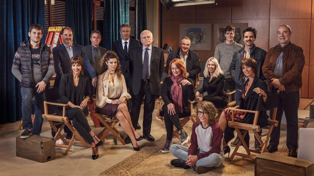La foto de equipo de 'Ola de Crímenes' en su primer día de rodaje en Madrid