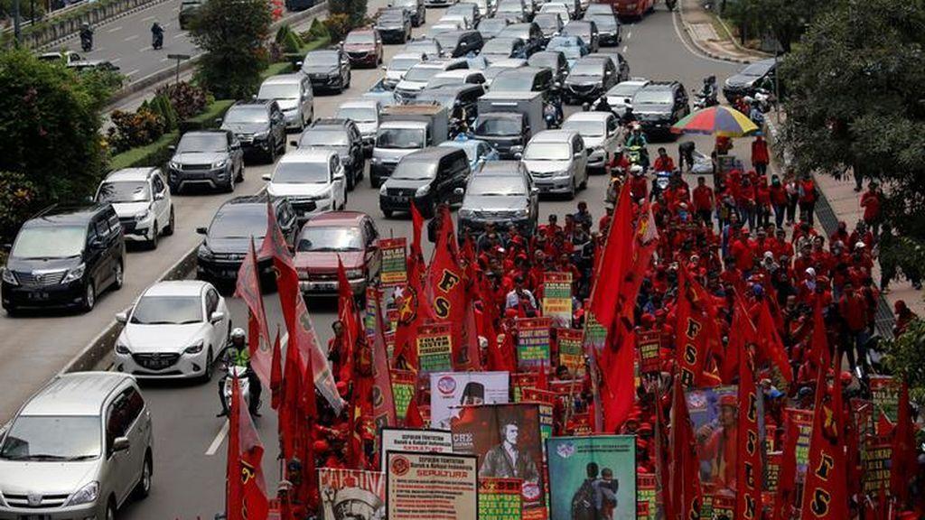 Carreteras cortadas por protestas de los comerciantes de Indonesia
