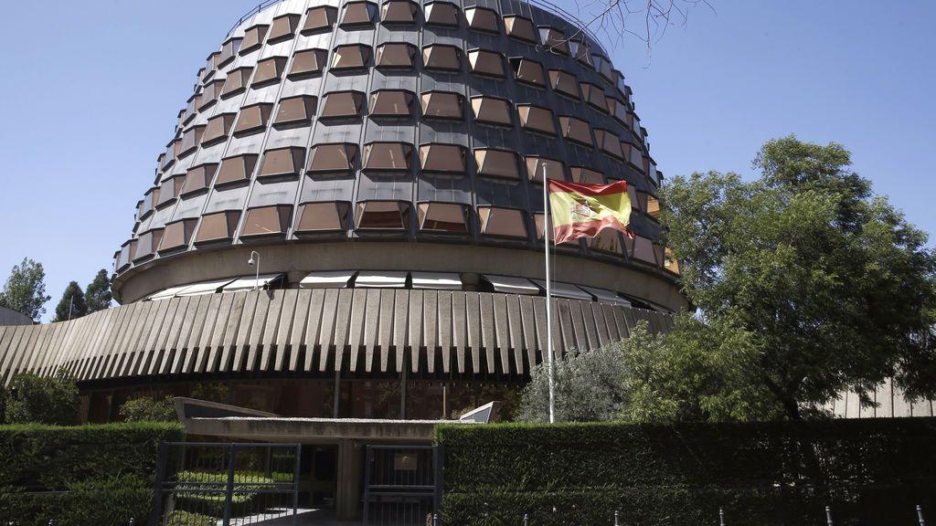 El Constitucional suspende la declaración unilateral de independencia de Cataluña