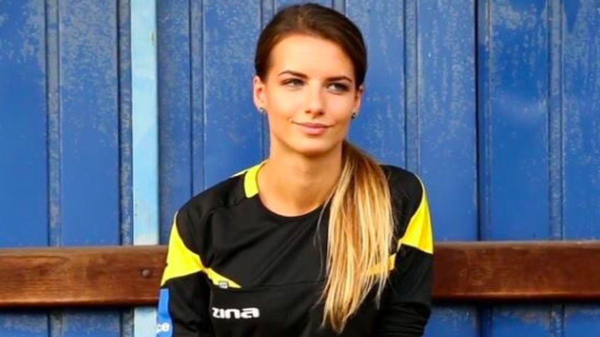 Polaca, buena estudiante, y del Barça: así es Karolina Bojar, la árbitro que revoluciona Instagram