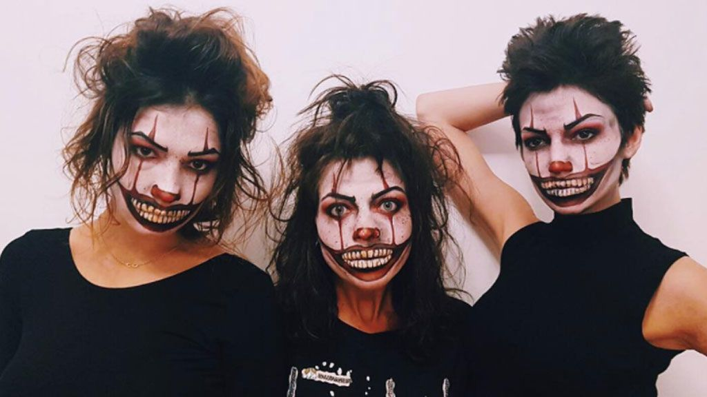 Úrsula Corberó, con las actrices Usue Álvarez y Thais Blume, muy fans del payaso de 'It'