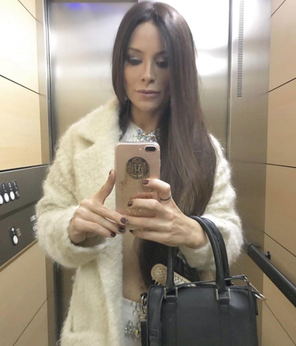 Soraya Arnelas, con melenón y morena para homenajear a Cher