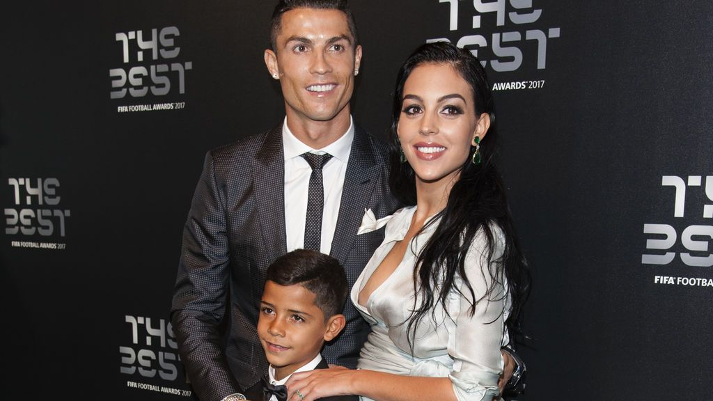 Georgina se pone romántica para apoyar a Cristiano Ronaldo en su momento deportivo más complicado