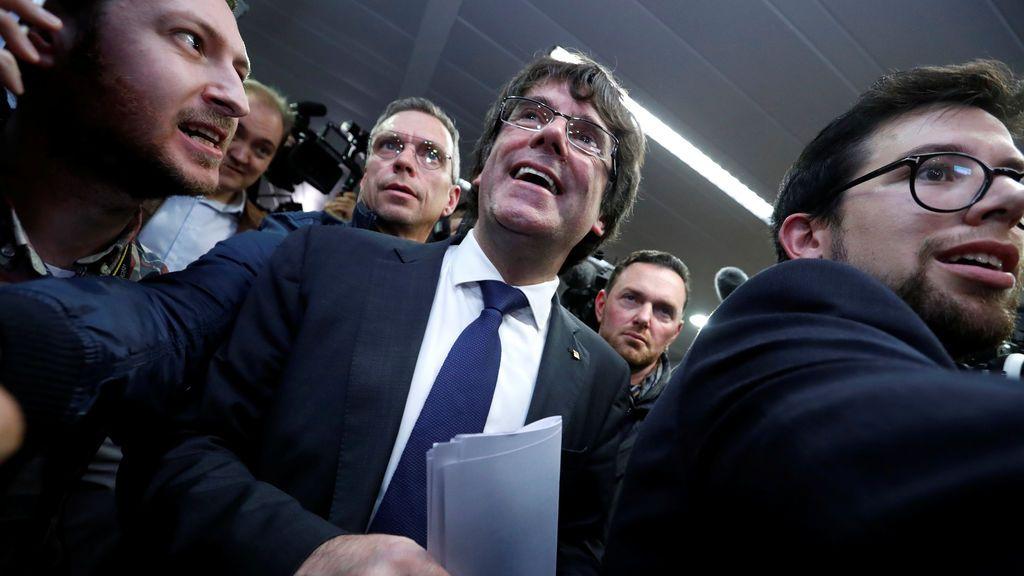 Puigdemont continúa en Bruselas acompañado de cuatro de sus exconsejeros