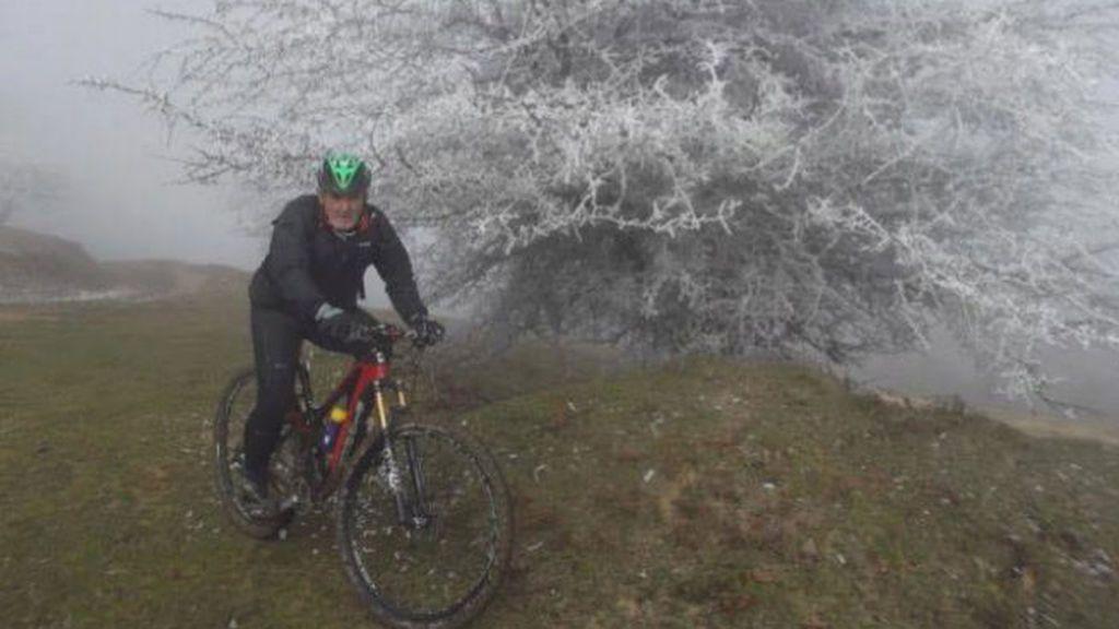 La última 'locura' de Juanito Oiarzabal: coronar el Kilimanjaro en bicicleta
