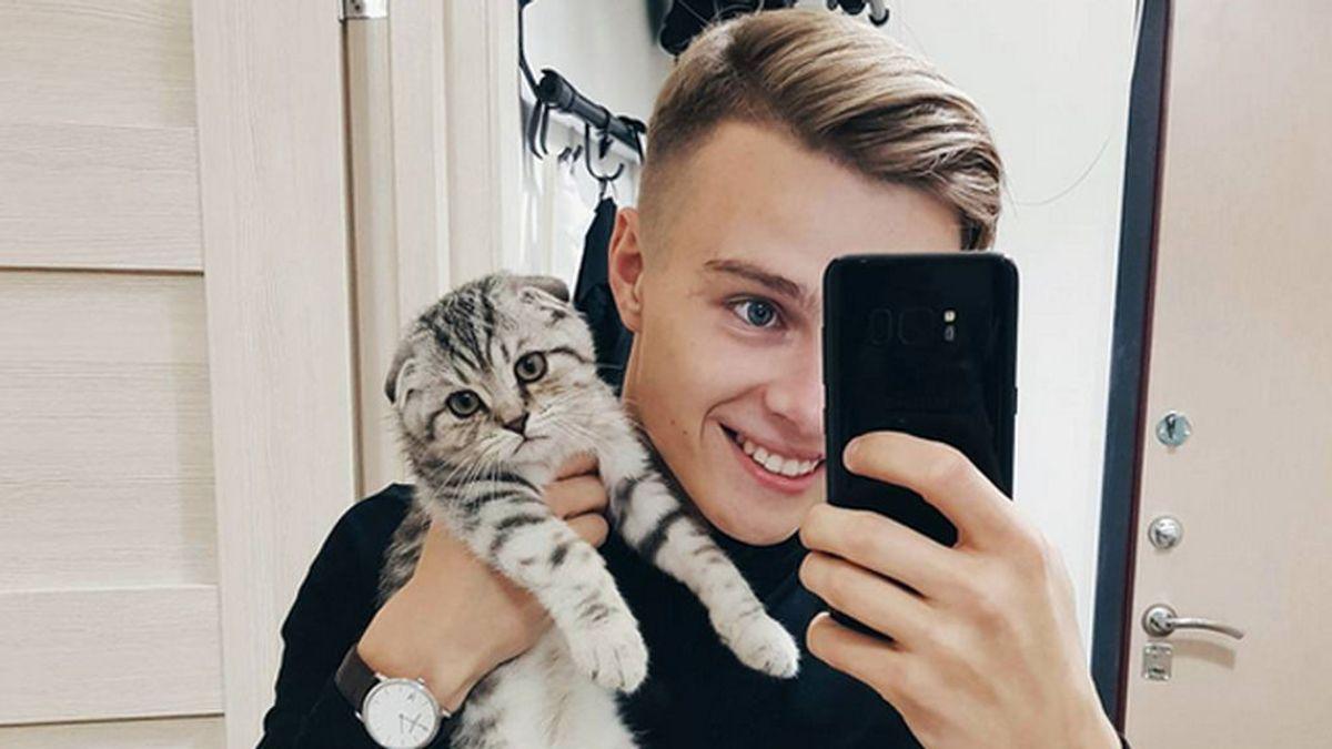 Miles de usuarias piden ser detenidas por el 'policía más guapo de Rusia'