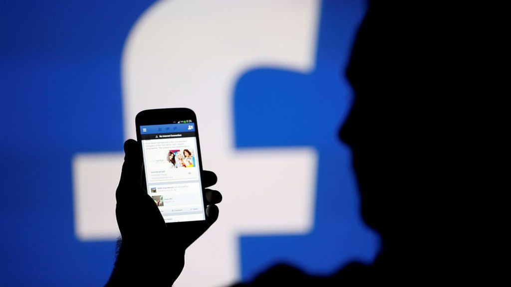 Facebook estrena nueva herramienta: Encuestas a nivel mundial con fotos y GIF