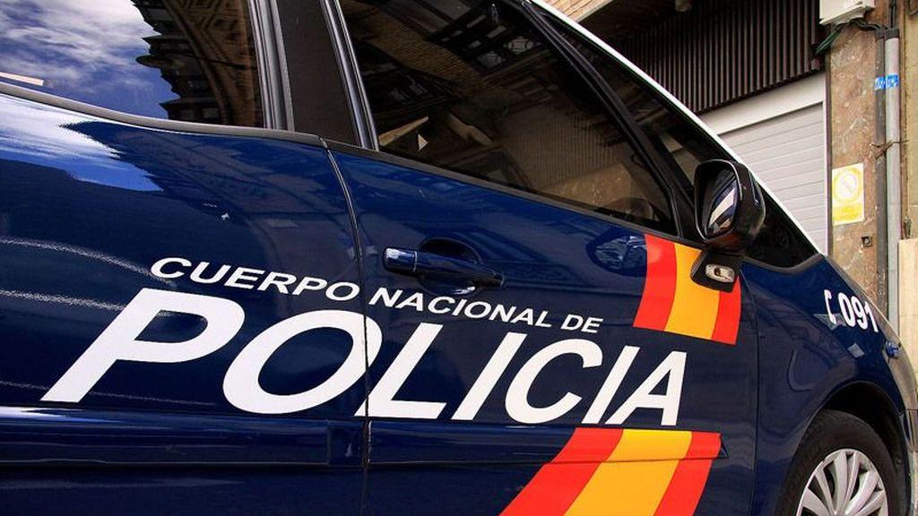 Detenidos un padre y su hijo por encerrar dos días a un hombre para robarle el coche