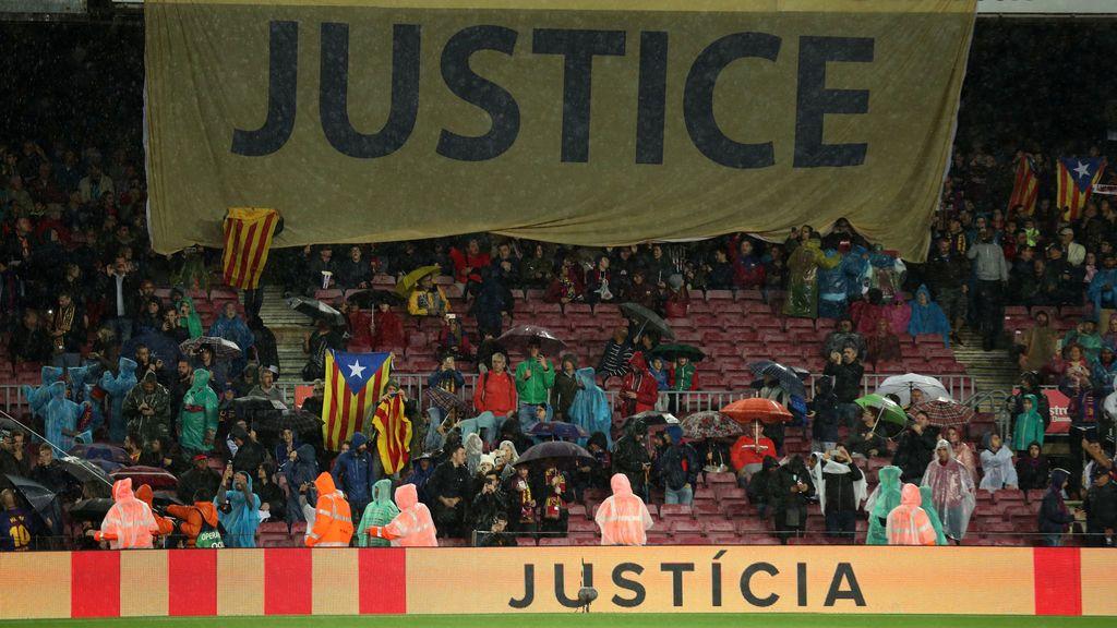 El Camp Nou llama a Europa, pide justicia y grita libertad para los políticos catalanes encarcelados