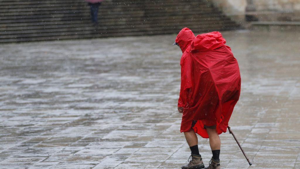 Lluvias, tormentas, oleaje  y bajada notable de las temperaturas en todo el país