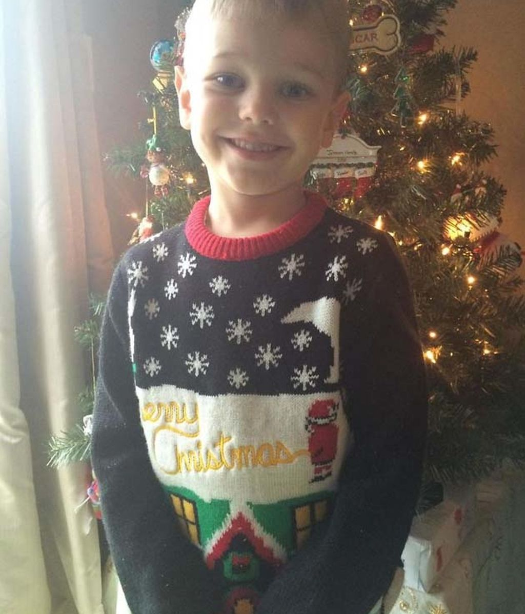 No se dieron cuenta de qué hacía Papá Noel en el jersey de su hijo