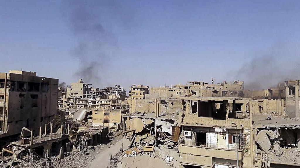 Decenas de muertos en el atentado del EI contra desplazados en el este de Siria