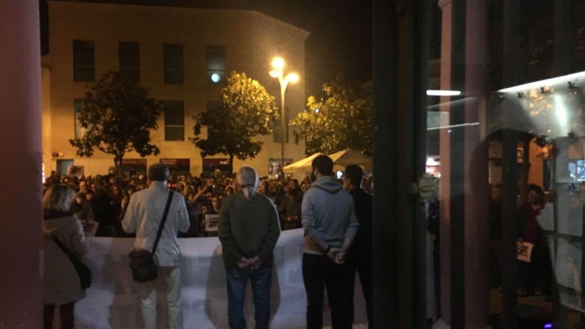 Encierro en el ayuntamiento de Rubí por los ex consellers encarcelados