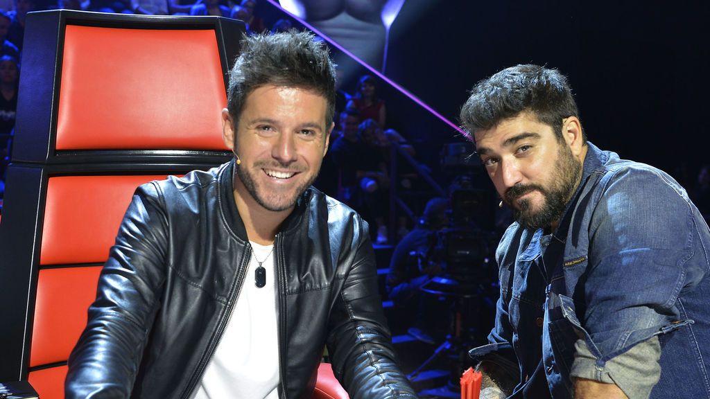 Pablo López y Antonio Orozco en 'Las batallas' de 'La voz'