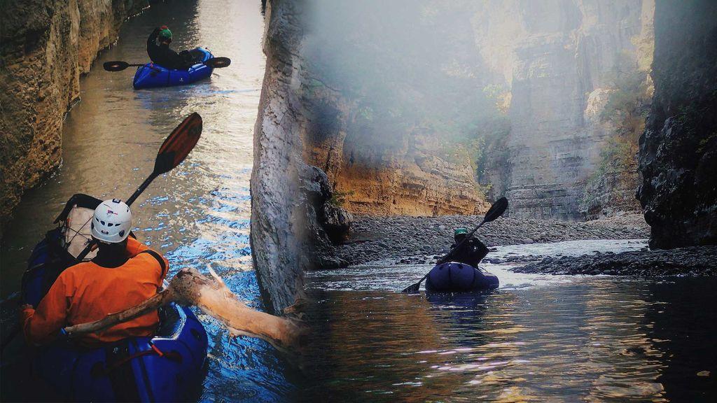 El cañón del río Ozum: así surcamos en 'parkraft' entre las claustrofóbicas paredes de caliza