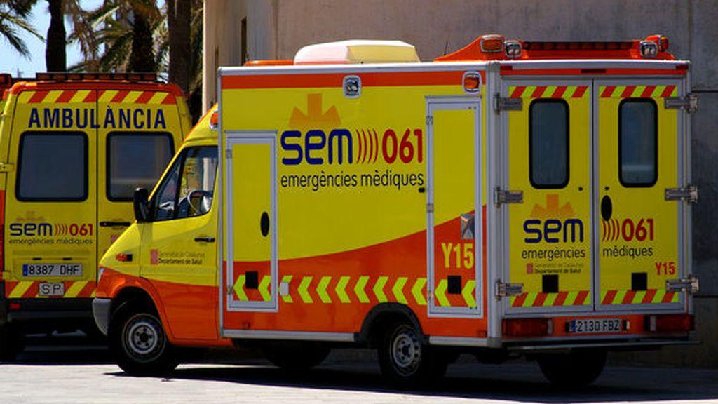 Muere un trabajador al caerle una bala de papel de una tonelada en Girona